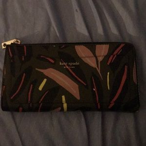 kate spade eva modern feather wallet NEVER USED